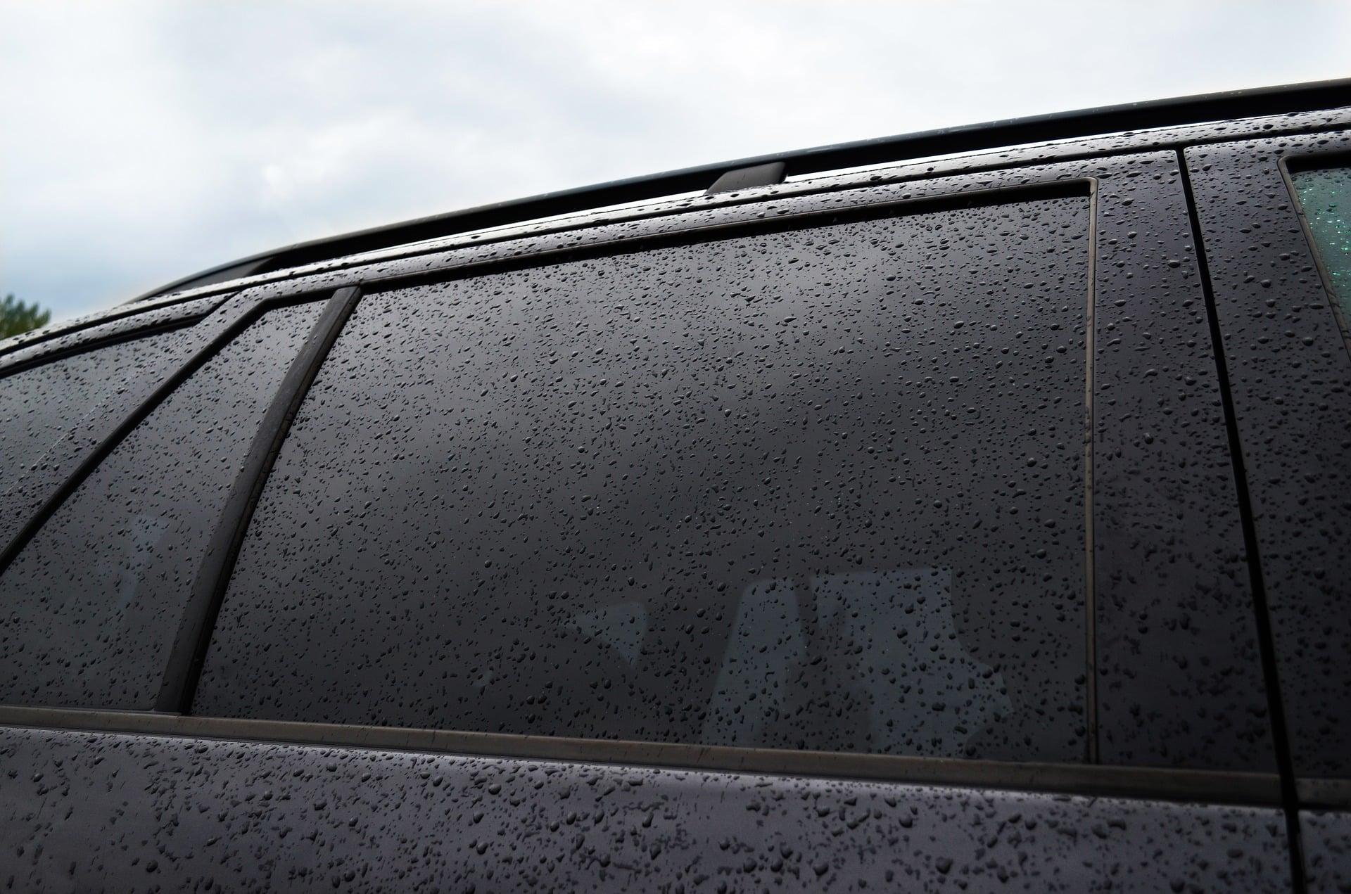 Folia samoprzylepna do przyciemniania okien w samochodzie i nie tylko! 8